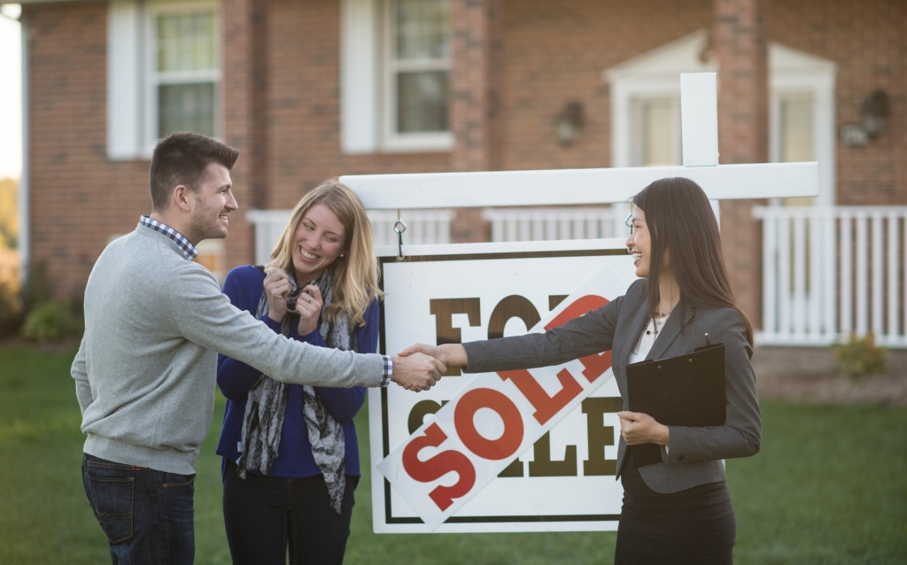 Facilitate Property Sales By Hiring A Real Estate Agent