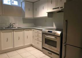 Detached Home For Lease | W4716331