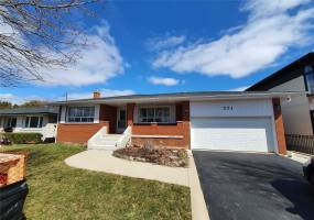 Detached Home For Lease | W4729177